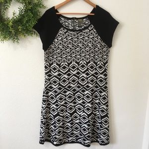Taylor Black and White Short Sleeve Sweater Dress